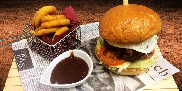 Burger menu s mexickou polévkou a jalapeños