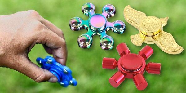 Pestrá nabídka fidget spinnerů pro malé i velké