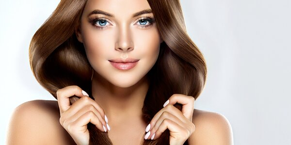 Kadeřnický balíček se střihem a péčí L'Oréal Nutrifier