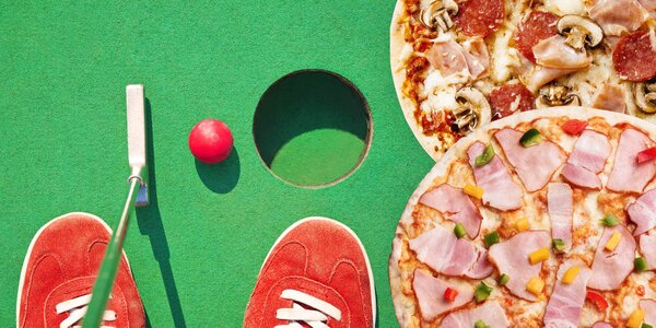 Dvě pizzy a zábava na minigolfu pro partu