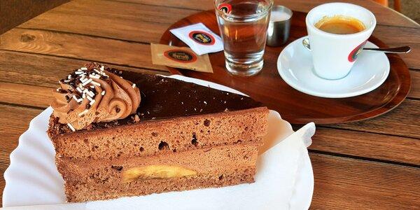 Zastavte se v klasické cukrárně na kávu a dort