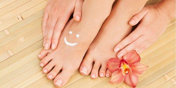 Pedikúra, regenerace a masáž nebo lakování
