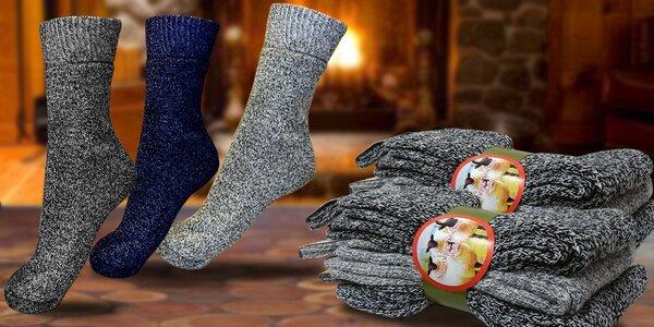 Balení hřejivých ponožek z ovčí vlny