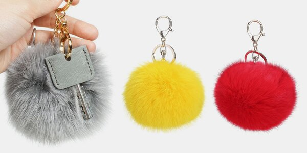 Elegantní kožešinový přívěsek na kabelku či klíče