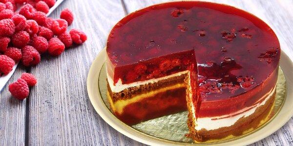 Malinový dort z rodinného cukrářství v Podolí