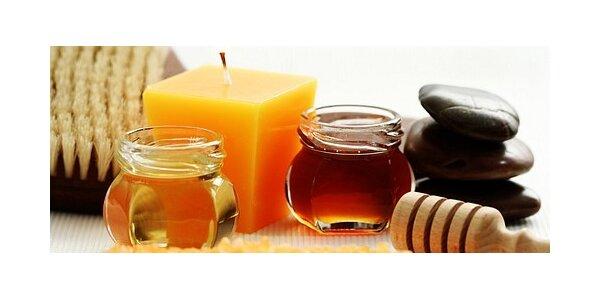 Medová detoxikační masáž zad a šíje včetně peelingu a zábalu