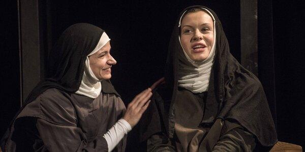 Vstup na divadelní představení Temná je noc