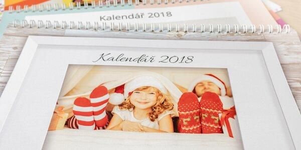 Nástěnný měsíční fotokalendář s vlastními jmény
