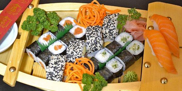 Sushi sety s 22 až 72 rolkami a další speciality