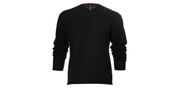 Pánský černý svetr Pietro Filipi s červeným proužkem