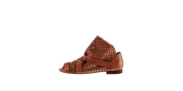 Dámské hnědé kožené sandály Sandálo s perforací