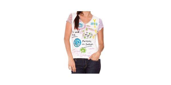 Dámské bílé tričko Sandalo s barevným potiskem a korálky