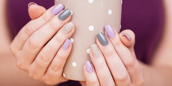 Mistrovská péče o nehty: manikúra s gel lakem