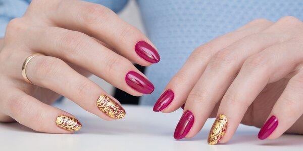 Modeláž gelových nebo akrylových nehtů