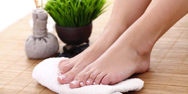 Mokrá pedikúra pro zdravé nohy vč. masáže