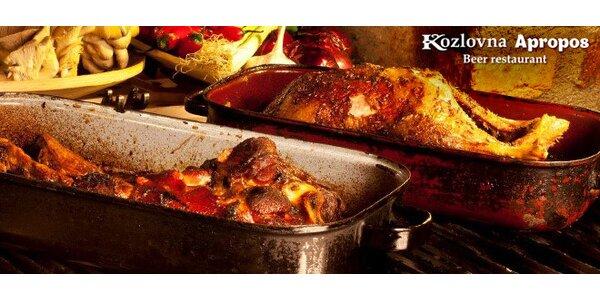 2 hlavní jídla a 2 dezerty v kozlovně Apropos!