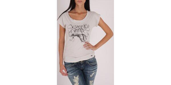 Dámské bílé tričko Pepe Jeans s šedivým potiskem a kovovými cvoky