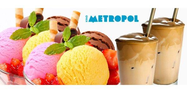 2 poháry a 2 caffé latté v kavárně Metropol