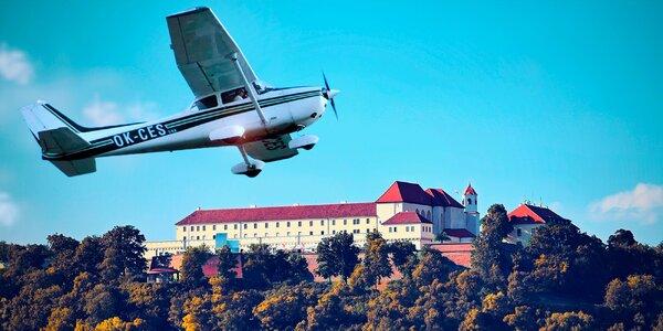 Vyhlídkový let: 25 min. nad Brnem a přehradou