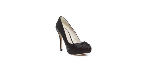 Moderní černé boty na vysokém podpatku Bourne