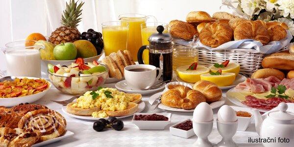 Bohatá snídaně formou bufetu v hotelu Michael