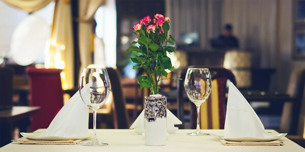 Romance v Karlových Varech s večeří či wellness