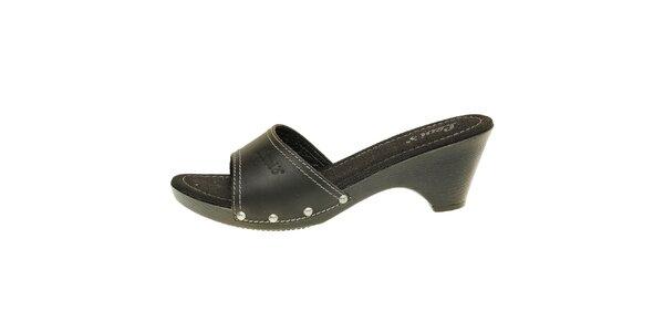 Dámské černé kožené pantofle Levis