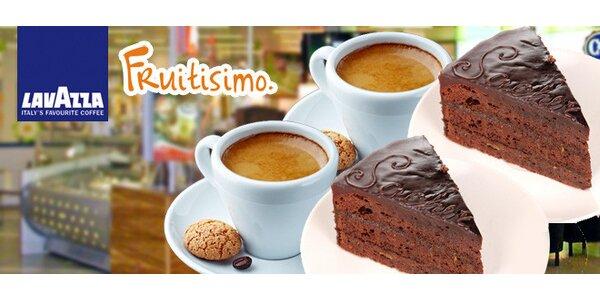 Dva sachr dorty a dvě kávy ve Fruitisimo Café