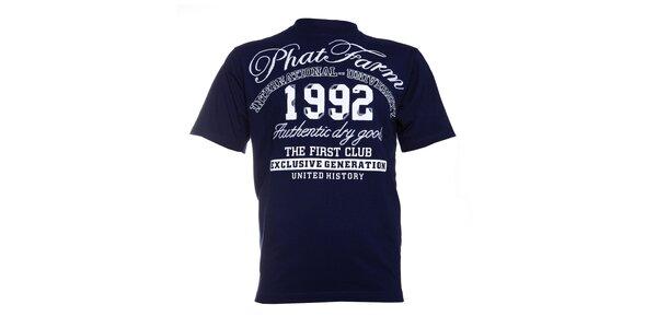 Pánské tmavě modré tričko Phat Farm s bílým potiskem a nášivkou