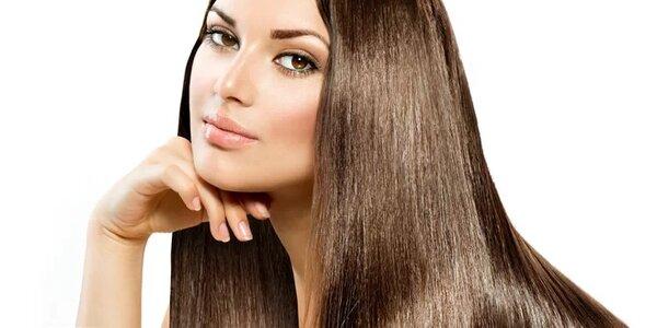 Hloubkové čištění a regenerace vlasů Olaplexem