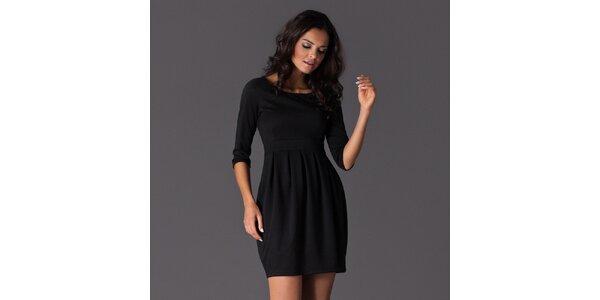 Dámské černé šaty se sklady na sukni Figl