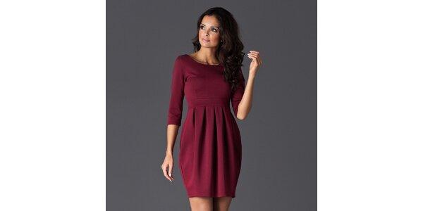 Dámské vínové šaty se sklady na sukni Figl
