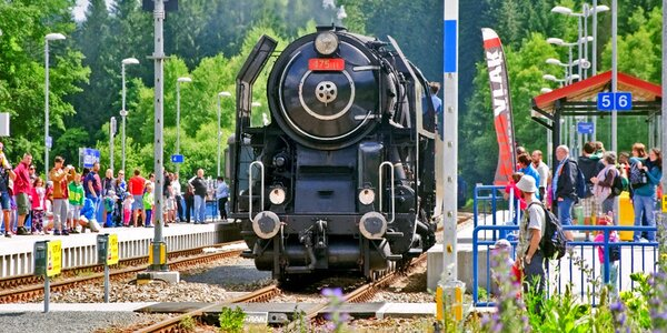 Vstupenka i jízdenka z Plzně na parostrojní festival