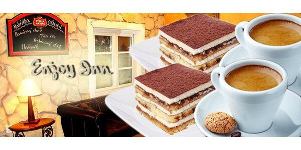 Káva a dort pro dva v kavárně Home Cafe