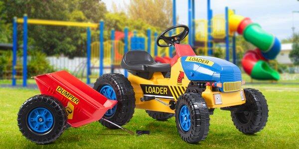 Dětský šlapací traktor s vlečkou