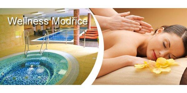 Relaxační masáž zad a sleva na vstup do wellness