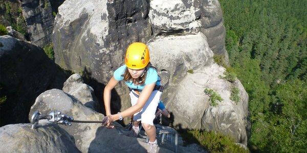Lezení po Opičích kamenech v Českém Švýcarsku