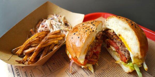 Coyote burger + sálát coleslaw nebo hranolky