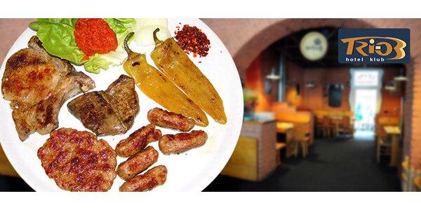 Tradiční masové speciality z Balkánu na jednom talíři