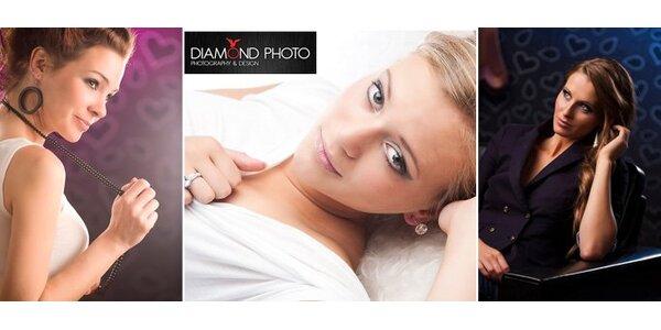 875 Kč za hodinu focení v profesionálním fotoateliéru Diamond Photo.