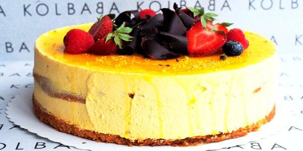 Kinder Bueno či mangový dort: 1,8 kg, 12–14 porcí