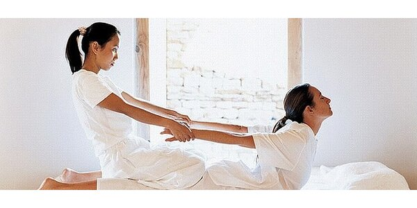 Celotělová thajská masáž