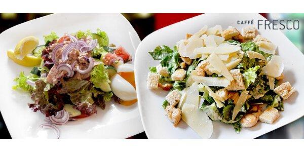 2 italské saláty ve stylovém podniku na Vyšehradě