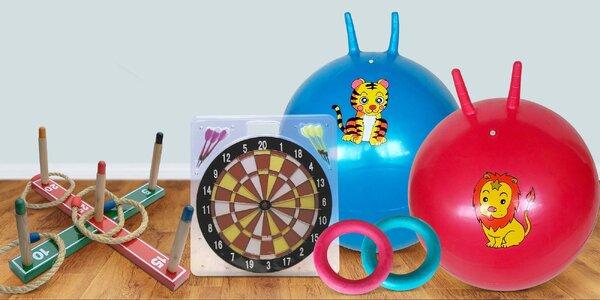 Skákací míče, ringo, kroket, šipky i catch ball