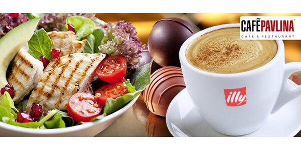 Letní saláty či cokoli jiného v restauraci CAFÉ-PAVLINA