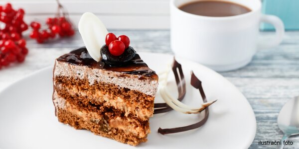 Espresso nebo horká čokoláda a dort dle výběru