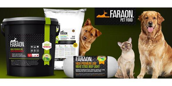 Krmivo pro psy a kočky v hodnotě 500 Kč