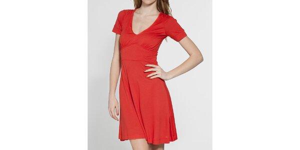 Dámské červené šaty French Connection
