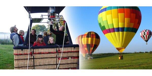 3490 Kč za prodloužený let balónem nad zimní krajinou v hodnotě 6990 Kč.