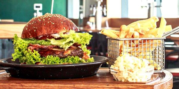 Dva burgery podle výběru z 10 variant i hranolky